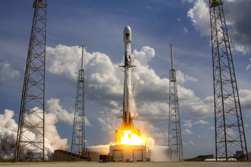 SpaceX Falcon 9 carrying GPS III for USA DoD